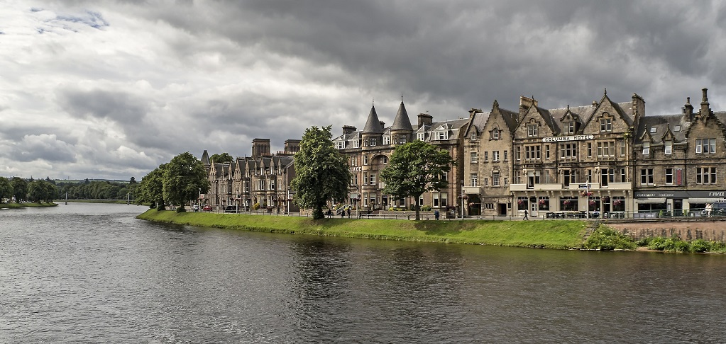 inverness-1621660_1920.jpg
